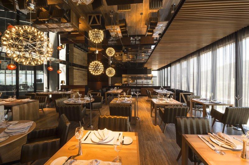 Live Aqua Urban Resort Monterrey-Restaurant ZOI<br/>Image from Leonardo
