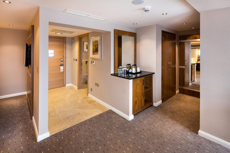 DoubleTree by Hilton Milton Keynes-King Bed Suite Living Area<br/>Image from Leonardo