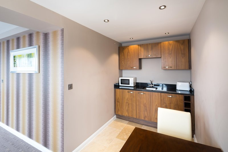 DoubleTree by Hilton Milton Keynes-Apartment Suite Kitchenette<br/>Image from Leonardo
