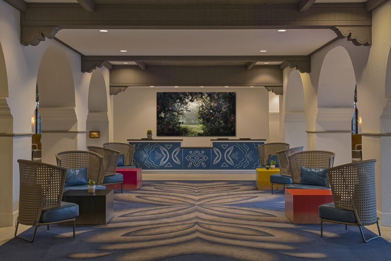 DoubleTree by Hilton Austin-Front Desk and Lobby<br/>Image from Leonardo