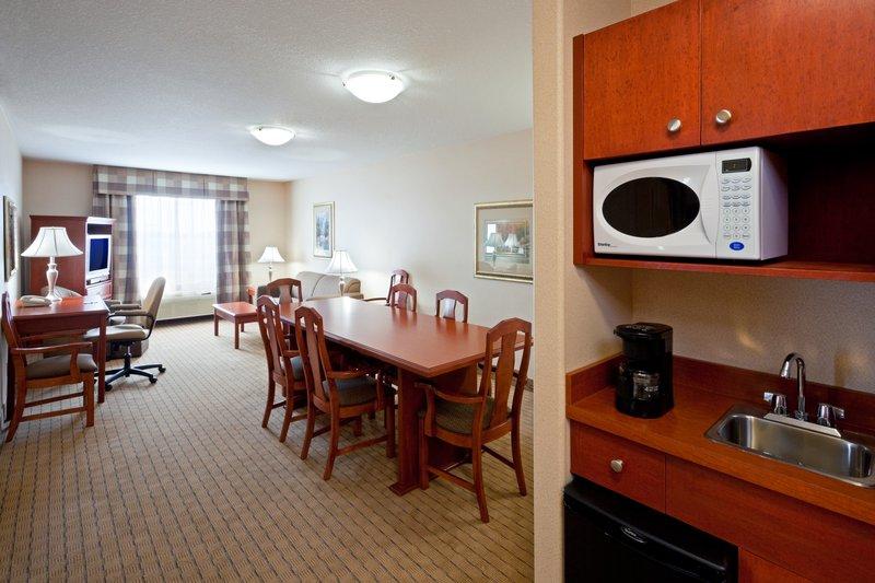 Holiday Inn Hotel & Suites Regina-1 King Bed Suite (Conference Suite)<br/>Image from Leonardo
