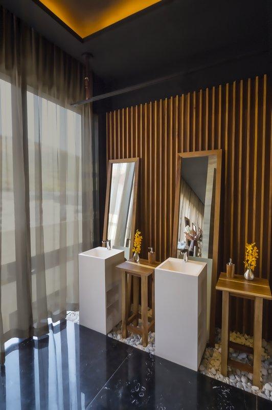 Grand Fiesta Americana Monterrey-Meeting Room Bathroom<br/>Image from Leonardo