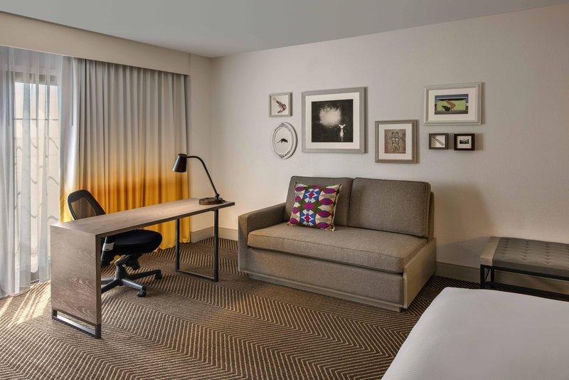DoubleTree by Hilton Austin-Standard King Guestroom<br/>Image from Leonardo