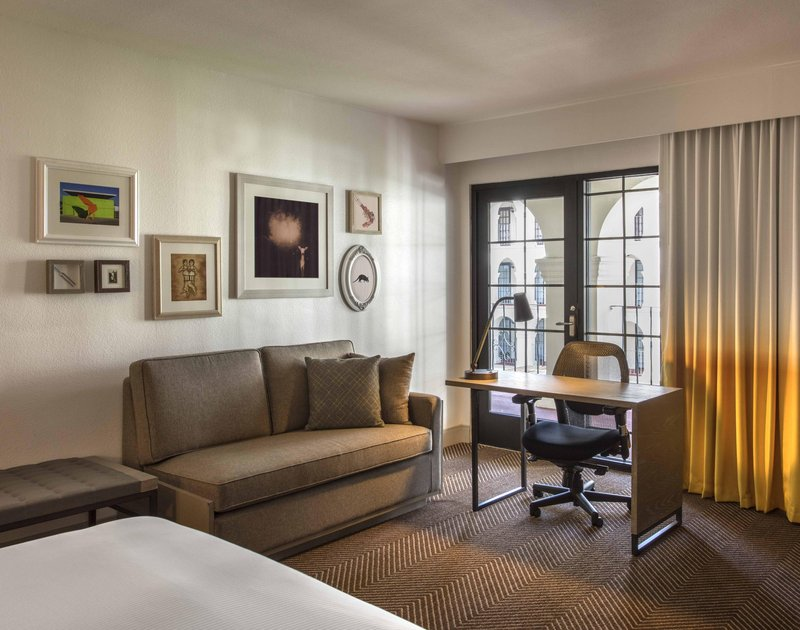DoubleTree by Hilton Austin-Guestroom Courtyard View<br/>Image from Leonardo