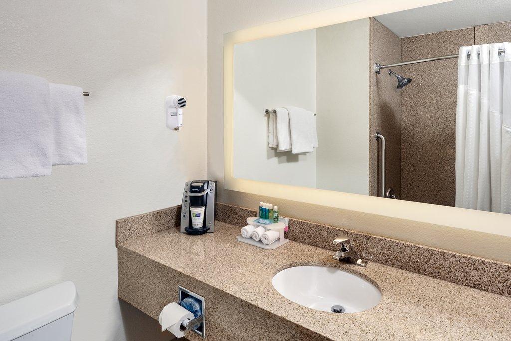 Holiday Inn Express Sheboygan-Kohler (I-43)-Guest Bathroom<br/>Image from Leonardo