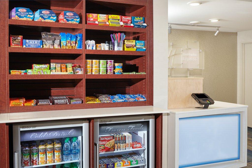 Holiday Inn Express Sheboygan-Kohler (I-43)-Gift Shop<br/>Image from Leonardo