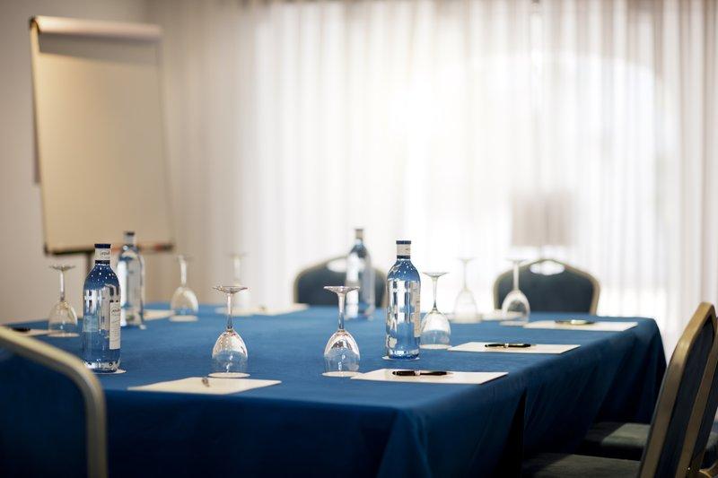 Hotel Puente Romano-Montilla - Grazalema Meeting Room<br/>Image from Leonardo