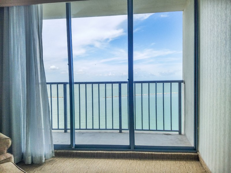 Omni Corpus Christi Hotel-Premier Room King View<br/>Image from Leonardo