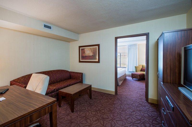Crowne Plaza Milwaukee West-King Suite- Crowne Plaza Milwaukee West<br/>Image from Leonardo