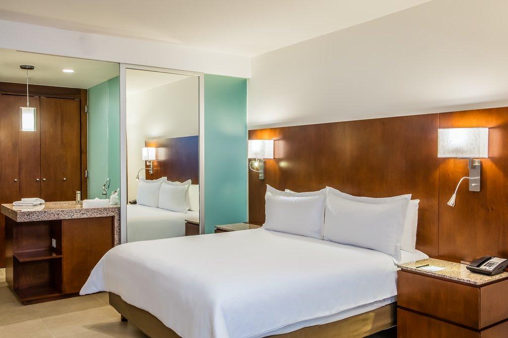 Fiesta Inn Playa Del Carmen - Suite <br/>Image from Leonardo