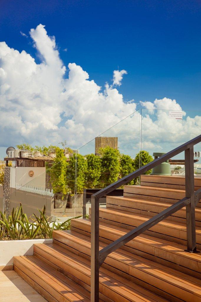Fiesta Inn Playa Del Carmen - Exterior <br/>Image from Leonardo