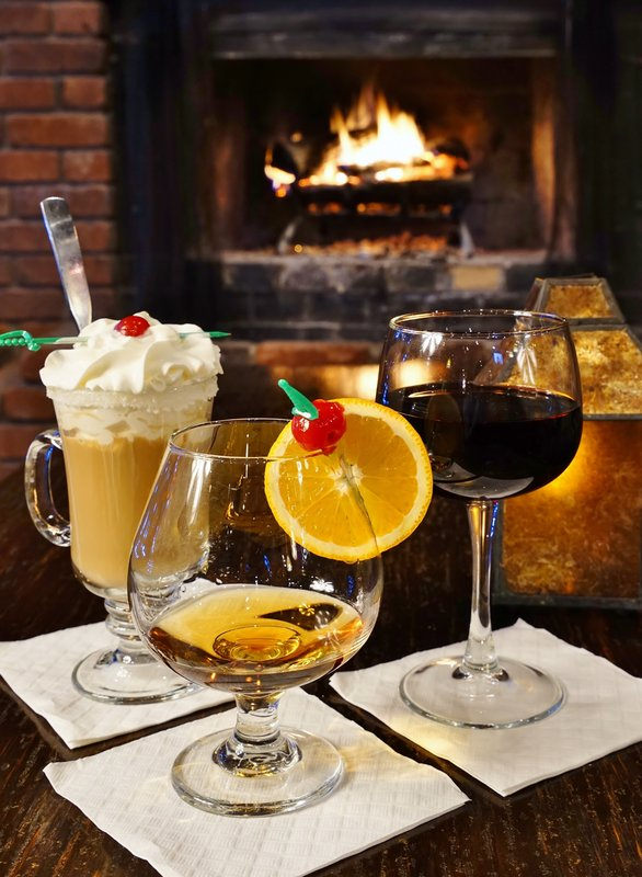 Best Western Fireside Inn-Tom's Fireplace Drinks<br/>Image from Leonardo
