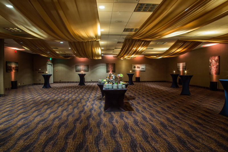 Holiday Inn Des Moines Downtown - Mercy Area-Des Moines Room Banquet<br/>Image from Leonardo