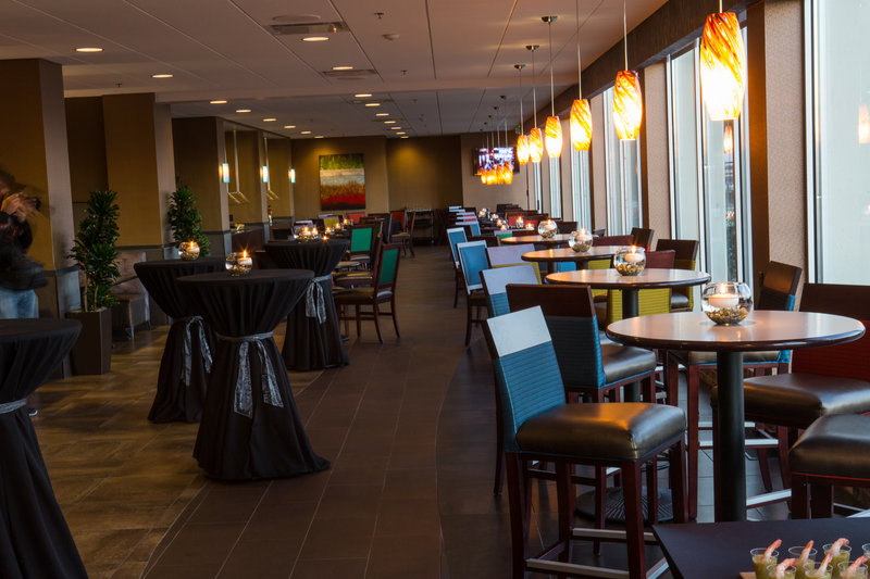 Holiday Inn Des Moines Downtown - Mercy Area-Genevieve's Restaurant<br/>Image from Leonardo