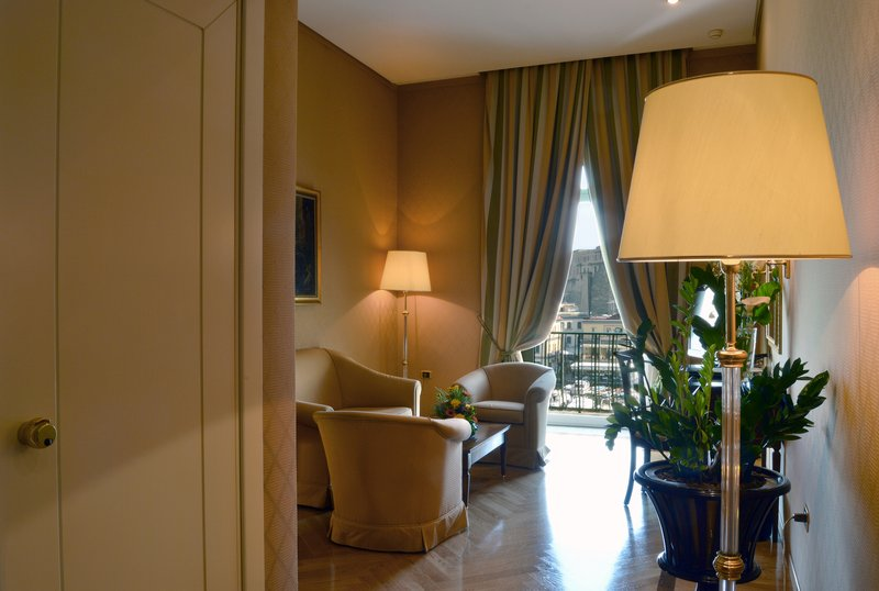 Grand Hotel Vesuvio Naples-Deluxe 2-Bedroom Suite<br/>Image from Leonardo