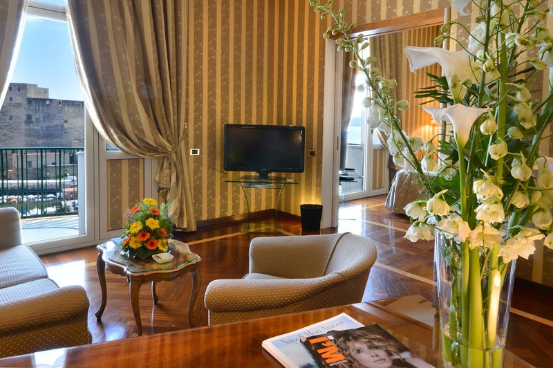 Grand Hotel Vesuvio Naples-Deluxe Seaview Junior Suite<br/>Image from Leonardo
