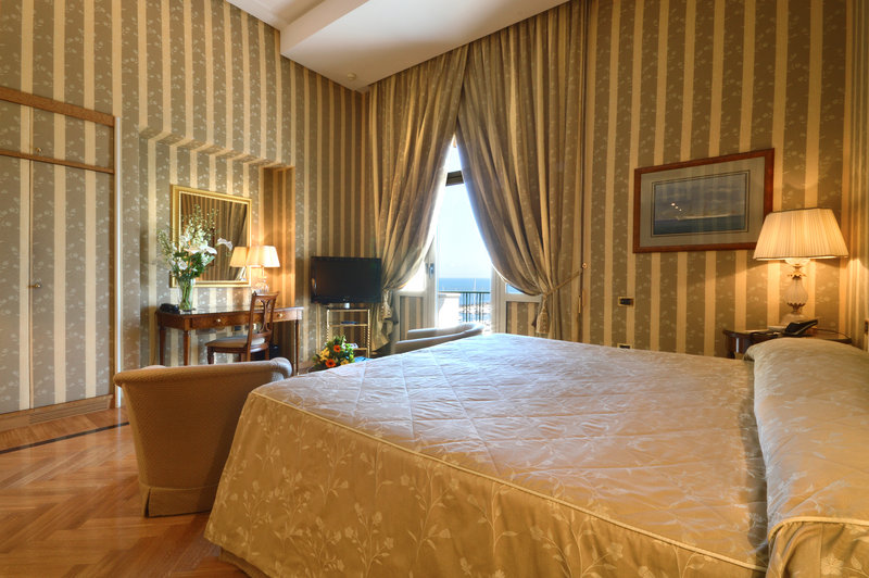 Grand Hotel Vesuvio Naples-Deluxe Seaview King Bedroom<br/>Image from Leonardo