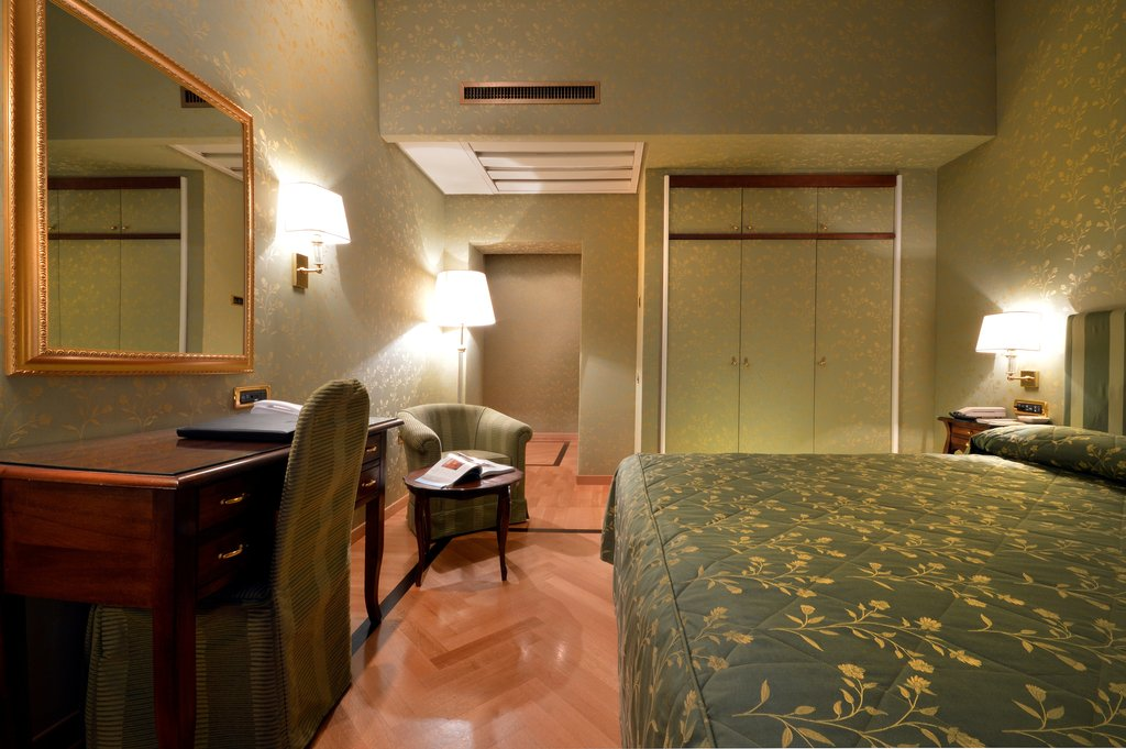 Grand Hotel Vesuvio-Superior King Bedroom<br/>Image from Leonardo
