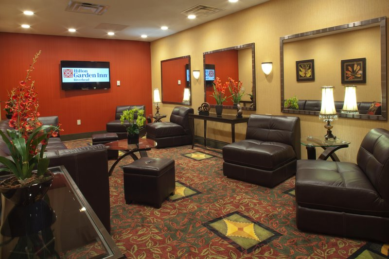 Hilton Garden Inn Riverhead-Waiting area<br/>Image from Leonardo