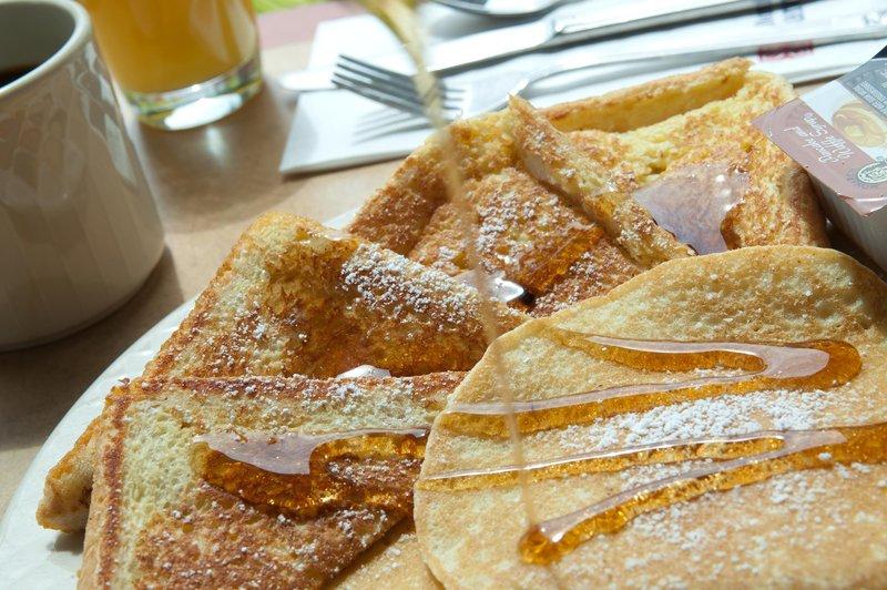 Hilton Garden Inn Riverhead-Pancakes<br/>Image from Leonardo
