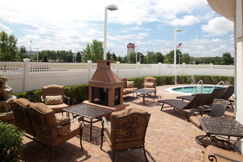 Hilton Garden Inn Riverhead-Pool View<br/>Image from Leonardo