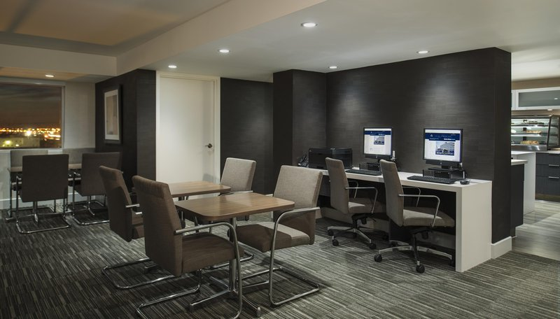 Hilton Winnipeg Airport Suites-Executive Lounge<br/>Image from Leonardo
