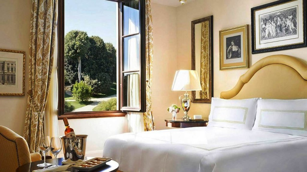 Four Seasons Firenze Hotel-Premier Room<br/>Image from Leonardo
