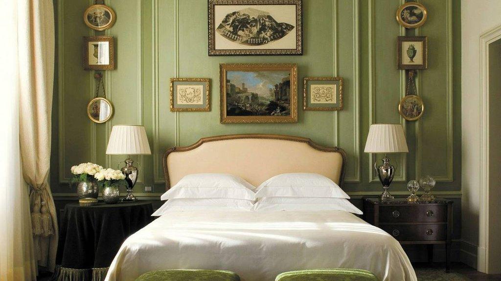 Four Seasons Firenze Hotel-Superior Room<br/>Image from Leonardo