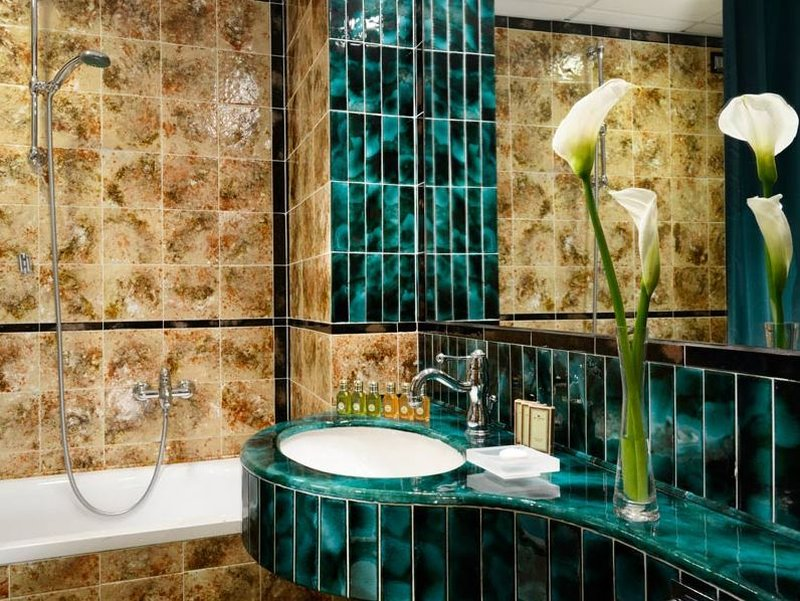 Berchielli Hotel-Bathroom<br/>Image from Leonardo
