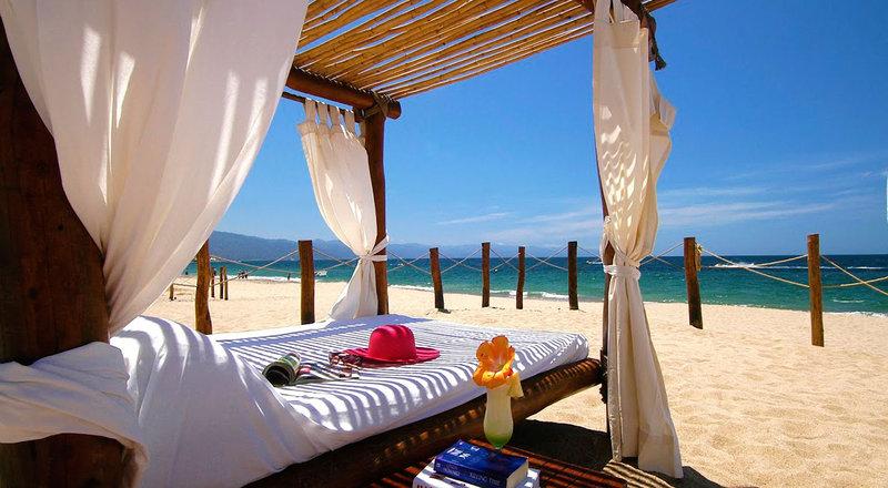 Villa Premiere Boutique Hotel & Romantic Getaway - Villa Premiere Facilities Beach <br/>Image from Leonardo