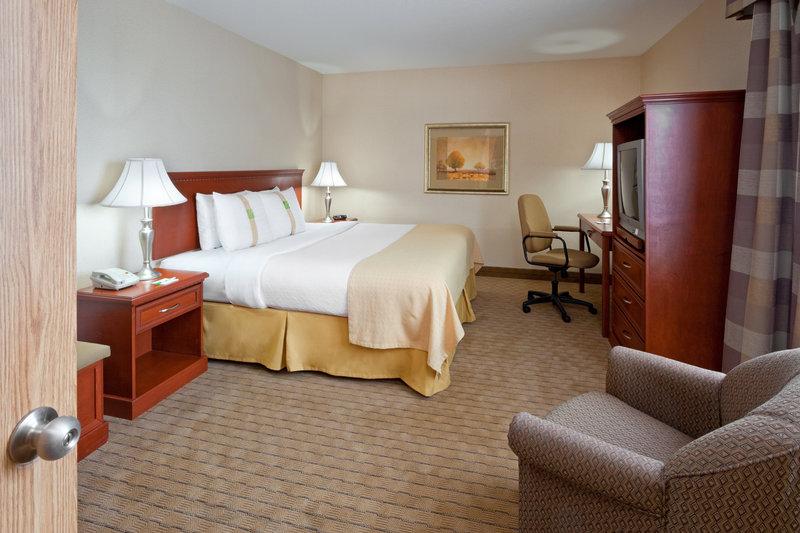 Holiday Inn Hotel & Suites Regina-1 King Bed Suite (Conference)<br/>Image from Leonardo