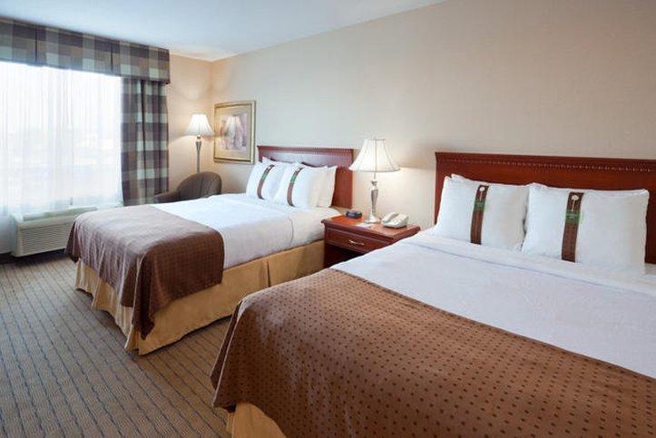 Holiday Inn Hotel & Suites Regina-2 Queen Beds<br/>Image from Leonardo