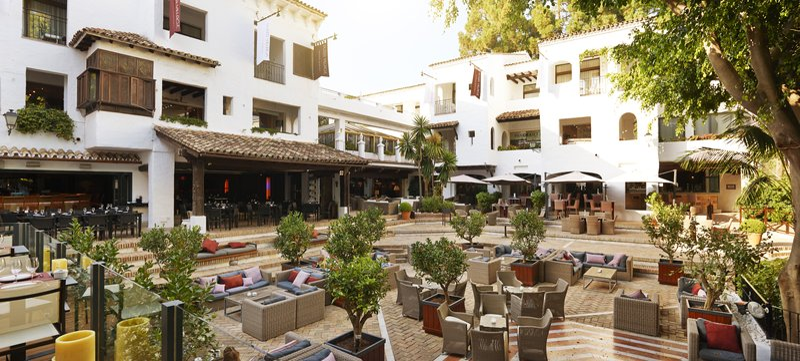 Hotel Puente Romano-Plaza Village Food Court<br/>Image from Leonardo