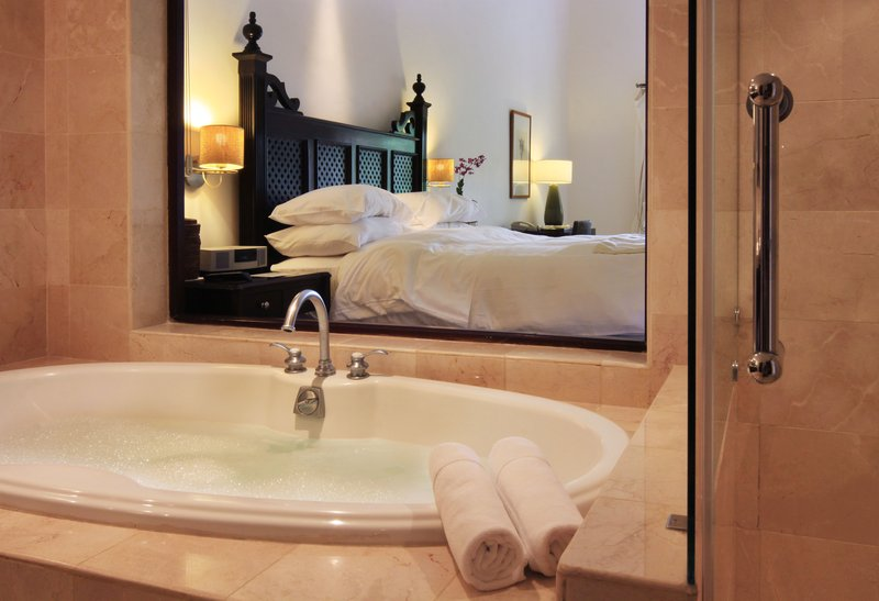 Casa Colonial Beach & Spa-Junior suite tropical view one king size bed<br/>Image from Leonardo