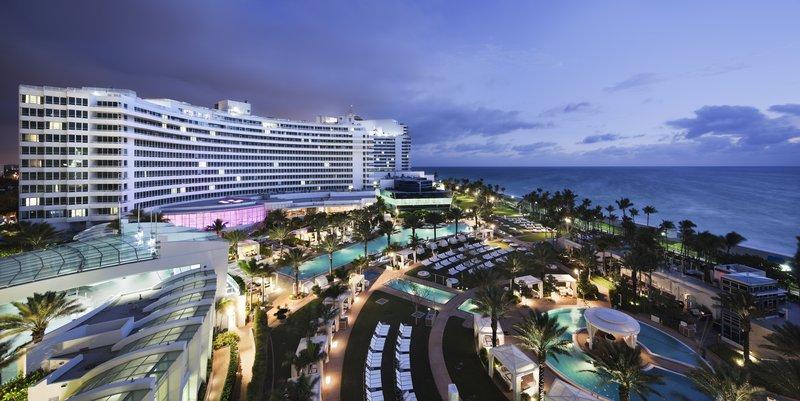 Fontainebleau Miami Beach - Chateau Hero Night <br/>Image from Leonardo