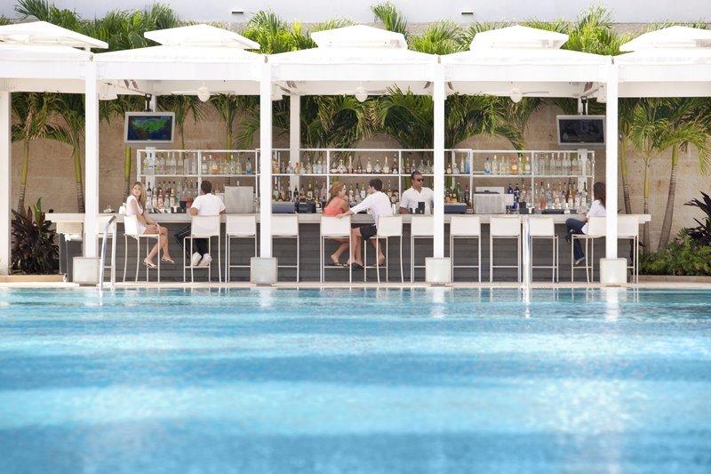 Fontainebleau Miami Beach - Glow Bar <br/>Image from Leonardo