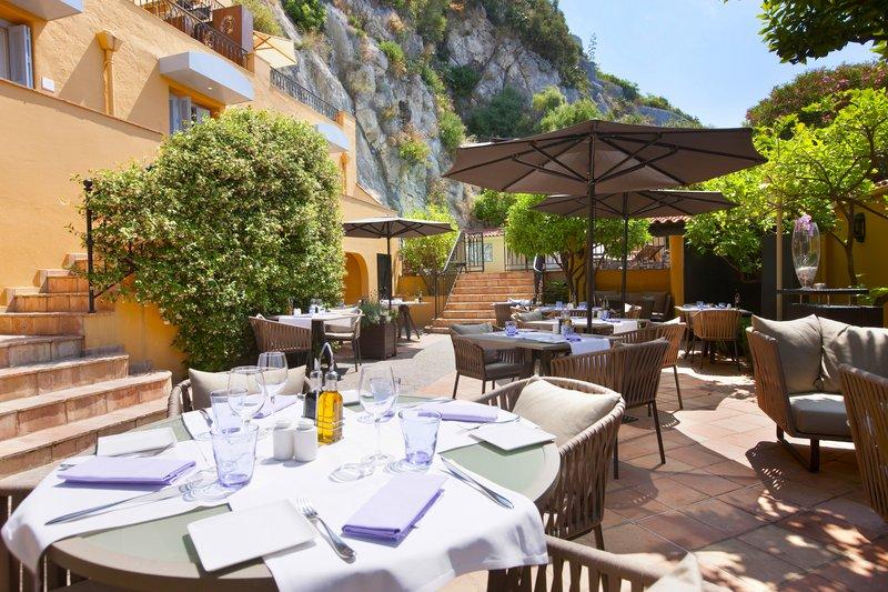 La Perouse Hotel-Restaurant Le Patio<br/>Image from Leonardo