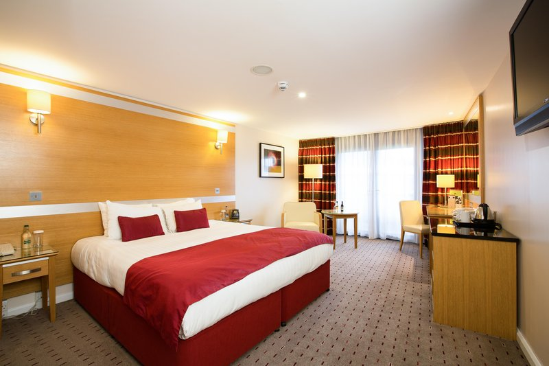 DoubleTree by Hilton Milton Keynes-Accessible Room<br/>Image from Leonardo