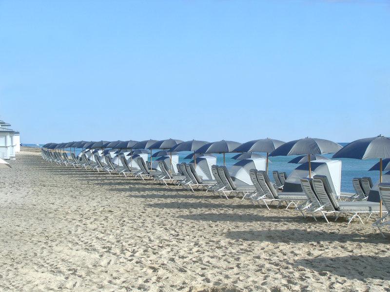 Fontainebleau Miami Beach - FB Chairs On Beach <br/>Image from Leonardo