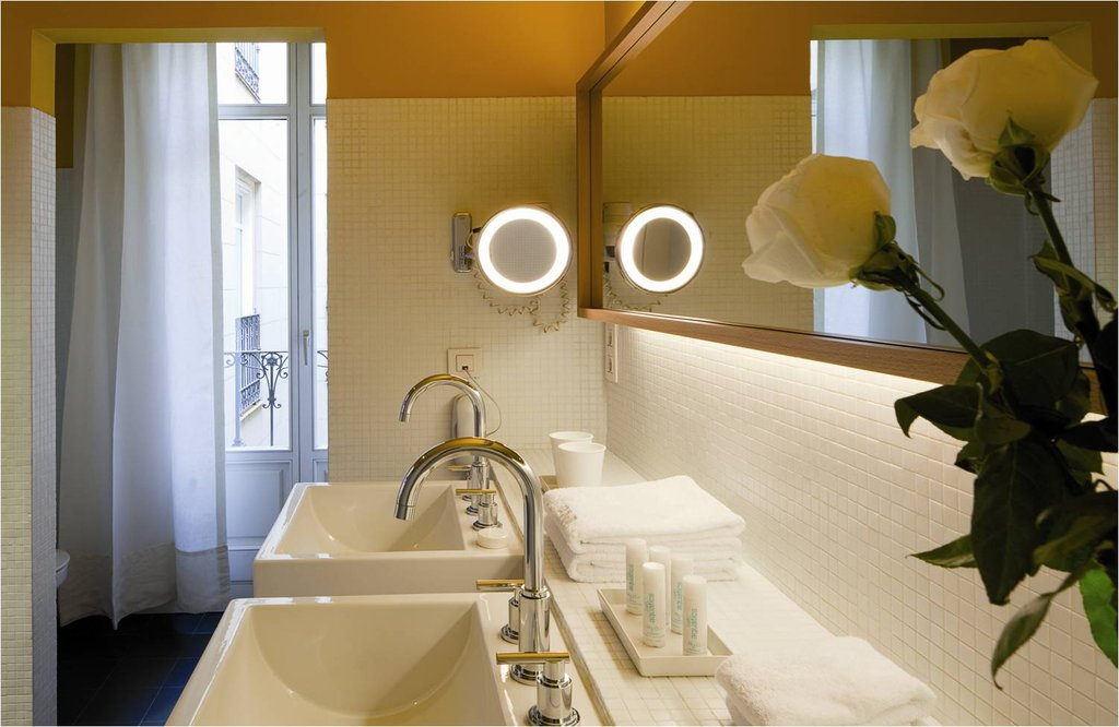 Iberostar Las Letras Gran Via-Bathroom<br/>Image from Leonardo