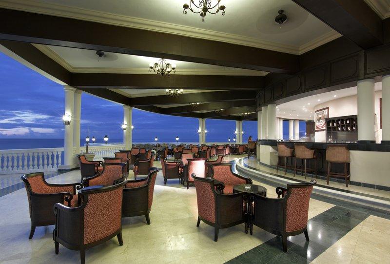 Grand Palladium Jamaica Resort & Spa - Grand Palladium Jamaica Bar Infinity <br/>Image from Leonardo