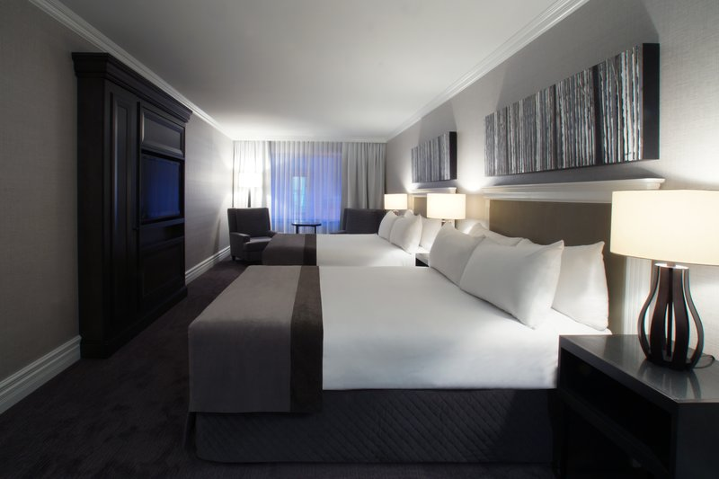 Hotel Manoir Victoria-Grand Luxury room<br/>Image from Leonardo