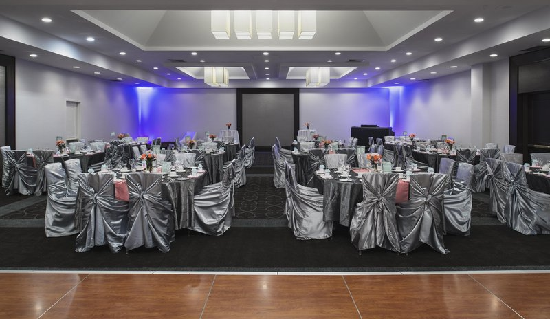 Hilton Winnipeg Airport Suites-Ballroom with Round Tables<br/>Image from Leonardo