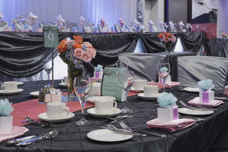 Hilton Winnipeg Airport Suites-Wedding Set Closeup of Table<br/>Image from Leonardo