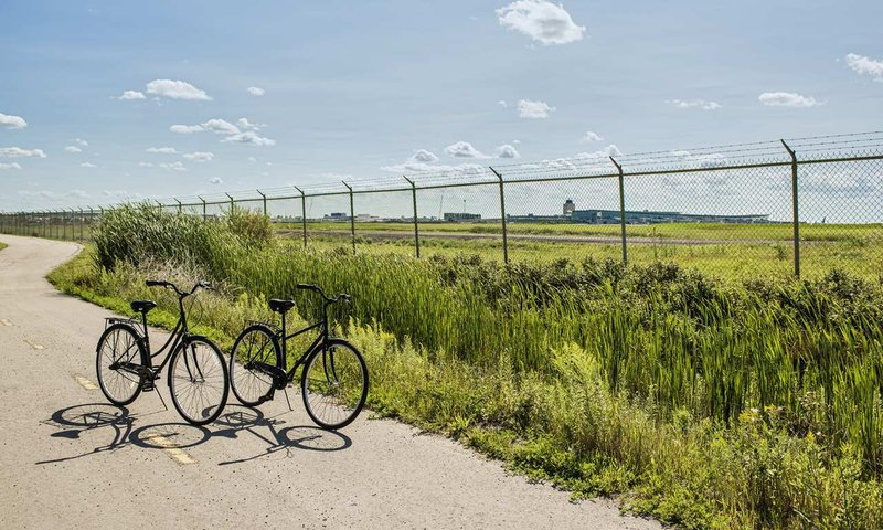Hilton Winnipeg Airport Suites-Bike Rental<br/>Image from Leonardo