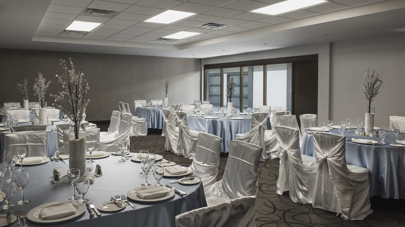 Hilton Winnipeg Airport Suites-Banquet setting<br/>Image from Leonardo