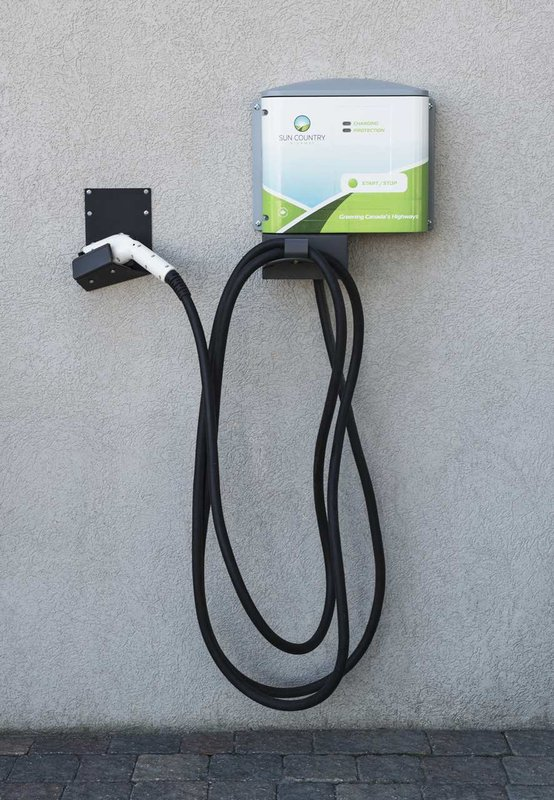Hilton Winnipeg Airport Suites-Electric Car Outlet<br/>Image from Leonardo
