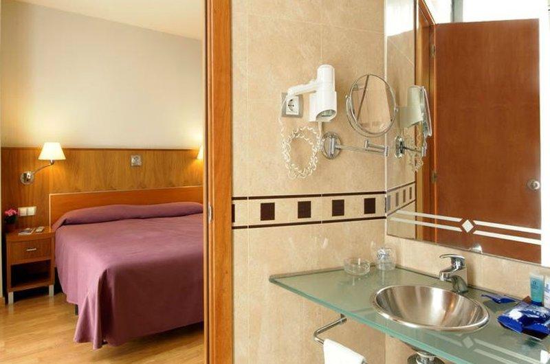 Evenia Rocafort-Guest Room<br/>Image from Leonardo