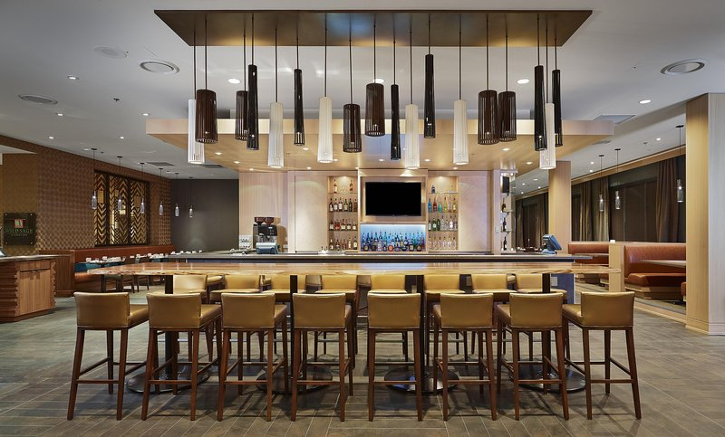 DoubleTree by Hilton Hotel & Conference Centre Regina-Communal Table<br/>Image from Leonardo