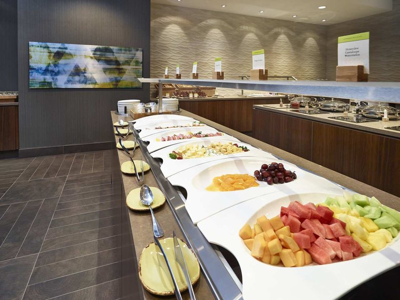 DoubleTree by Hilton Hotel & Conference Centre Regina-Breakfast Buffet Area<br/>Image from Leonardo
